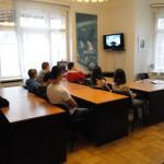 22 ноября 2013 года на курсах русского языка при РЦНК в Праге был проведен День открытых дверей, на который приехали студенты изучающие русский язык и их преподаватели из строительного техникума и коммерческого училища г. Кладно. Преподаватели курсов провели экскурсии по Российскому центру науки и культуры. В ходе экскурсии студенты и преподаватели были ознакомлены с работой Центра: в библиотеке студентам представили новые книжные поступления и рассказали, как они могут стать читателями библиотеки, а также в ознакомили с программой мероприятий РЦНК на предстоящие два месяца. После экскурсии для студентов в Лекционном зале курсов русского языка была проведена беседа, в ходе которой они могли задать интересующие их вопросы, касающиеся работы курсов. Затем ребятам показали учебный фильм «Семь прогулок по Москве». Для студентов из Кладно была проведена консультация о порядке сдачи экзаменов по русскому языку на международный сертификат уровней В1 – С1. День открытых дверей на курсах русского языка при РЦНК в Праге прошел успешно и вызвал интерес со стороны участвовавших в них чешских студентов и преподавателей.