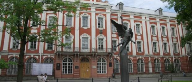 МГУ и СПбГУ попали в рейтинг ста самых престижных вузов мира