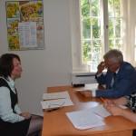 Представитель Торговопромышленной палаты России в Чехии Владимир Микоян принимает экзамен по по русскому языку как языку делового общения
