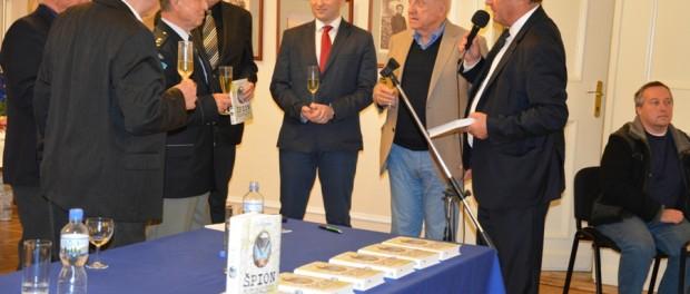 Презентация книги «Шпион — 30 лет службы» о военной разведке Чехословакии в РЦНК в Праге