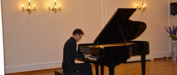 Творческий вечер российского пианиста Рустама Шайхутдинова в РЦНК в Праге