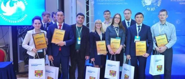 Участник конкурса Михаил Наумкин из Узбекистана: «Бесспорно, сейчас Россия связывает континенты, миры и цивилизации идеями миротворчества, вечного обновления и созидания. За это можно и нужно гордиться Россией и бесконечно ее уважать»