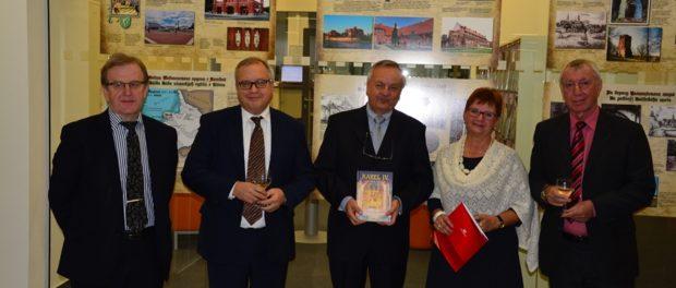 """Výstava Kaliningradského muzea """"Pruské cesty Karla IV."""" byla zahájena  na Západočeské univerzitě"""
