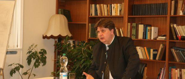 Встреча с деканом факультета международной журналистики МГИМО Ярославом Скворцовым в РЦНК в Праге