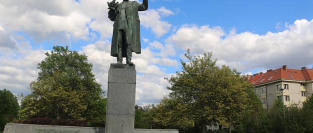 Накануне Дня Победы жители Праги почтили память маршала Конева