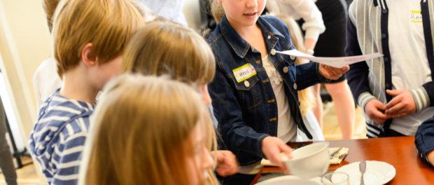 Мастер-класс «Этикет для детей» в РЦНК в Праге