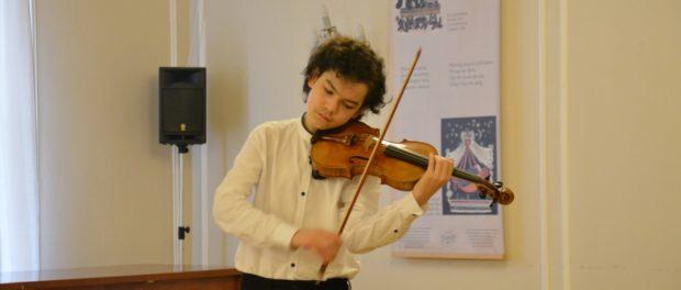 Koncert mladého českého houslisty E. Kollerta v RSVK vPraze