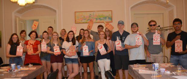 Мастер-класс «Традиции русских народных ремесел» для американских студентов в РЦНК в Праге