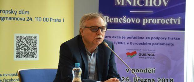 Российский писатель Святослав Рыбас представил в Праге свою новую книгу на чешском языке «Мюнхен. Пророчества Бенеша».
