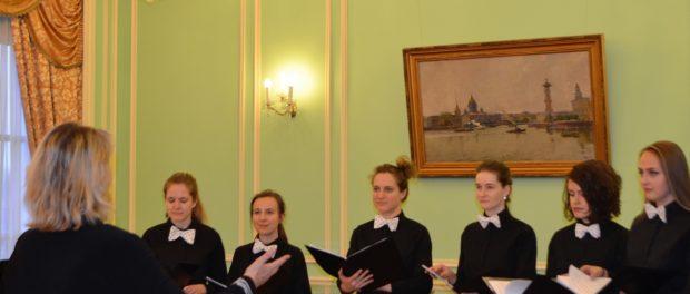 Koncert u příležitosti 85. výročí skladatele Vadima Petrova se konal na Velvyslanectví RF vČR