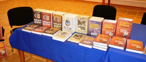 Презентация новой книги «Изменник Родины. Самое крупное поражение чехословацкой разведки» в РЦНК в Праге.