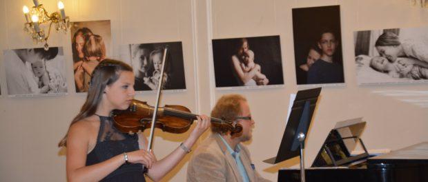 Выпускники школы искусств чешского города Клецаны выступили в РЦНК в Праге