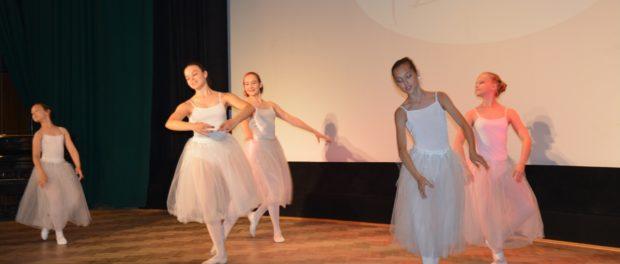 """Koncert u příležitosti konce školního roku školy klasického a moderního baletu """"Benefit Dance"""" v RSVK v Praze"""
