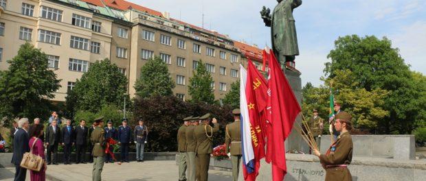 Před blížícím se Dnem vítězství Pražané uctili památku osvoboditele Prahy