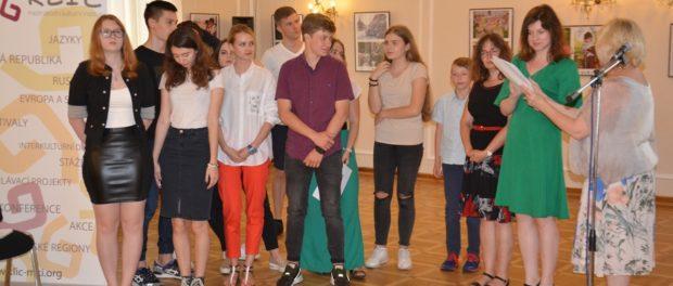 Kulatý stůl Mezinárodního klubu dětské diplomacie se konal v Praze