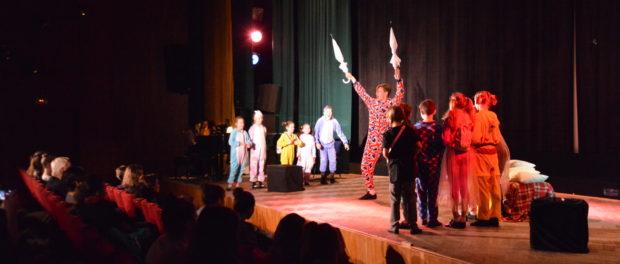 Cпектакли украинского художественного коллектива «FantaziaNew» на сцене РЦНК в Праге