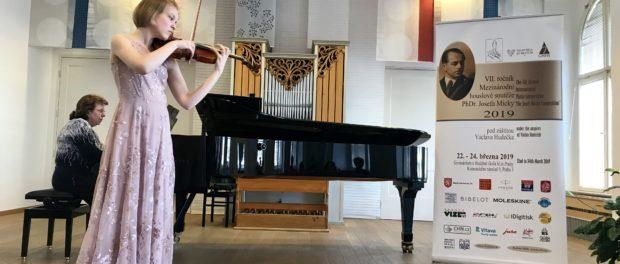 V Praze se konala VII. mezinárodní mládežnická soutěž houslistů J. Micky