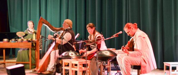 Концерт мультиинструменталиста и композитора Элизбара (Alizbar) и его группы «Alizbar & Ann'Sannat» прошёл в РЦНК в Праге.