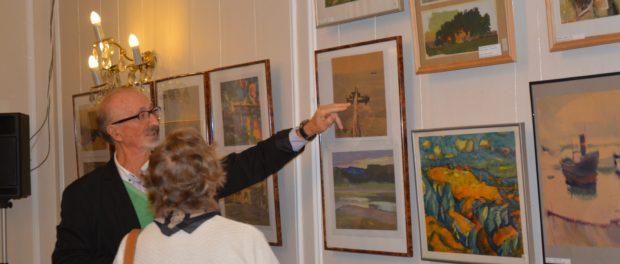 Художественная выставка российского архитектора и художника Евгения Попова открылась в Праге