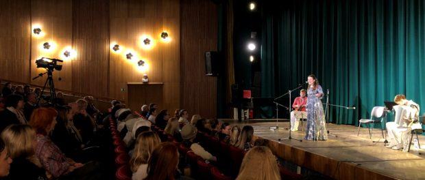"""Koncert souboru ruských lidových nástrojů """"Žemčug"""" (Perla) v Praze"""