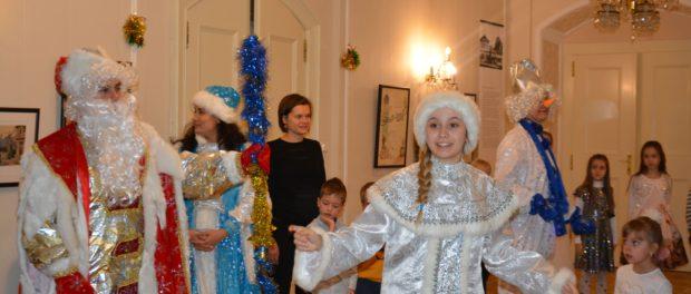 Новогодние представления чешско-русской школы «Веда» в РЦНК в Праге