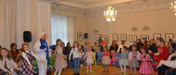 Новогодний спектакль «Снежная сказка» состоялся в РЦНК в Праге