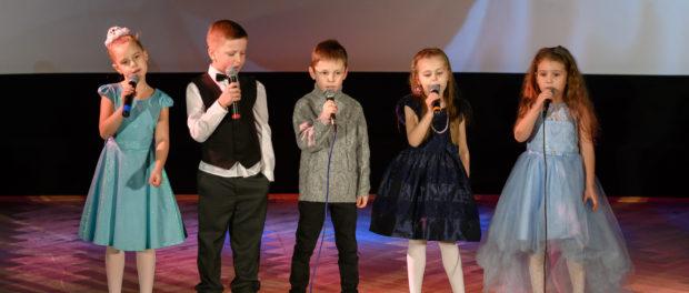Концерт детской творческой студии «Кантабиле» прошёл в РЦНК в Праге
