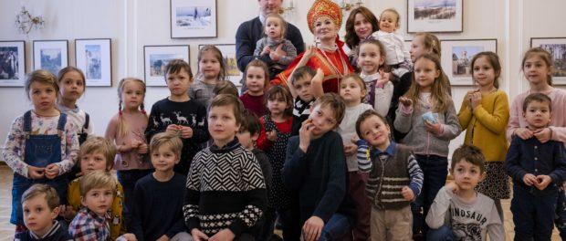 Интерактивный музыкальный спектакль «Старая добрая сказка с Василисой Премудрой» состоялся в РЦНК в Праге