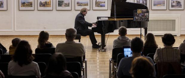 Koncert věnovaný legendárnímu českému klavíristovi  Ivanu Moravcovi v RSVK v Praze
