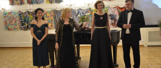 Концерт молодых оперных певцов «Роковая женщина» прошел в Праге