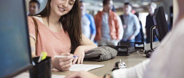 Podle nových pravidel se zahraniční studenti mohou ucházet o práci v Rusku bez speciálního povolení či oprávnění