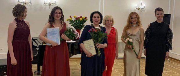 Концерт оперного пения, посвященный 50-летнему юбилею Русского Дома в Праге.